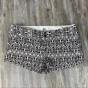 American Eagle Outfitters Black White Print Shorts